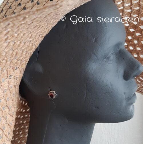 Granaat zilveren oorsteker