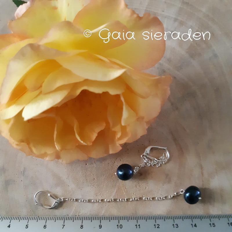 blauwe parel oorbellen Maxima